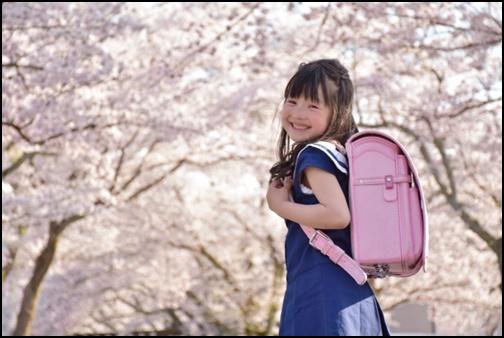 小学校1年生の女の子の画像