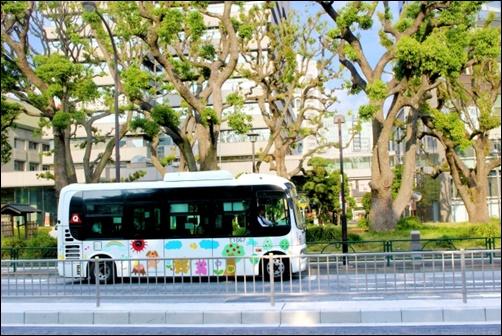 通学のバス画像